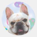 Dogo francés de los saludos de Pascua Pegatina Redonda