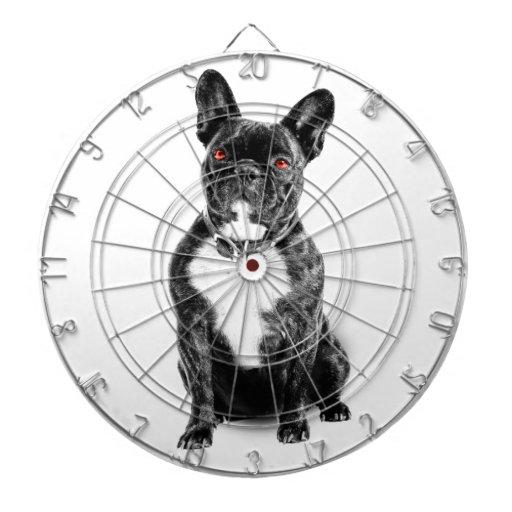 Dogo francés observado rubí tablero de dardos