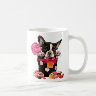 Dogo francés y caramelo taza de café