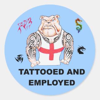 Dogo tatuado y empleado con Tats tribal Pegatina Redonda