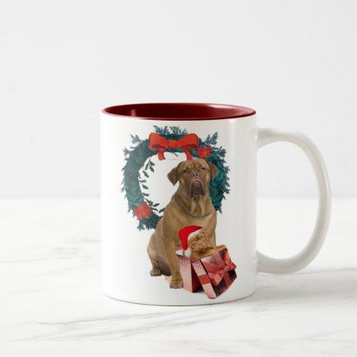 Dogue De Bordeaux y taza del navidad del perrito