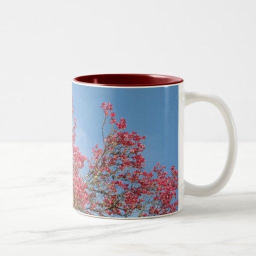 Dogwood rosado taza de café de dos colores