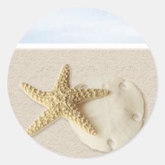 Dólar de las estrellas de mar y de arena pegatina redonda