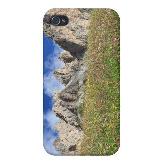 Dolomiti - prado florecido iPhone 4 carcasas