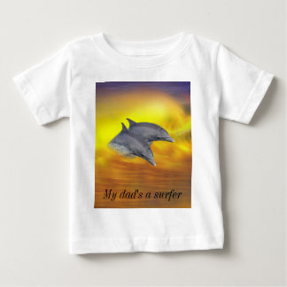 Dolphins surfing the waves infant t-shirt