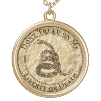 Don't Tread on Me Round Pendant Necklace