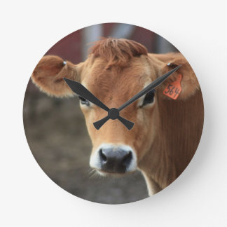 Don t you think I m Pretty Jersey Cow Round Wallclock