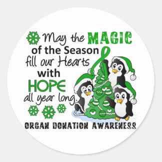 Donación de órganos de los pingüinos del navidad pegatina redonda