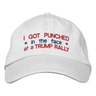 Donald Trump anti divertido perforado en la cara Gorras De Béisbol Bordadas