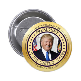 DONALD TRUMP GOLD COMMEMORATIVE INAUGURATION POTUS PINBACK BUTTON