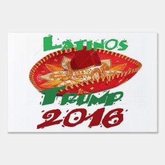 Donald Trump muestra de 2016 yardas Señal