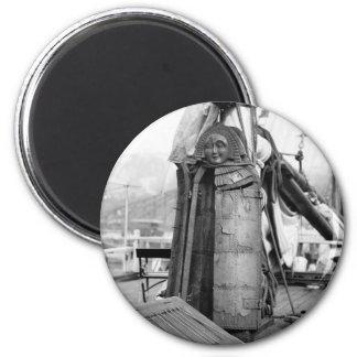 Doncella de madera, dispositivo de la tortura, los imanes