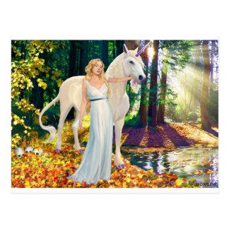 Doncella y postal curativa del unicornio