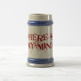 Donde está mi mente - letras sucias rojas de jarra de cerveza