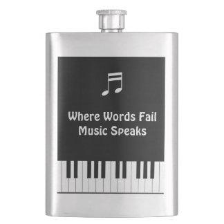 Donde las palabras fallan, la música habla el petaca
