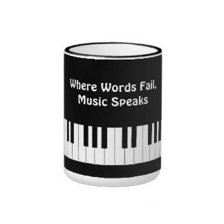 Donde las palabras fallan, la música habla la taza