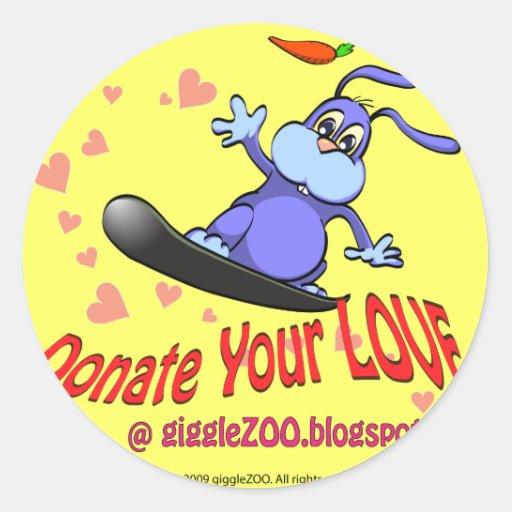 Done su amor con el conejito de la tarjeta del día pegatina redonda
