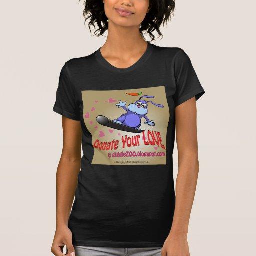 Done su amor con el conejito de la tarjeta del día camiseta