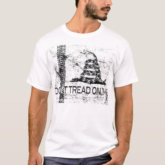 Don't Tread On Me (White Grunge) T-Shirt