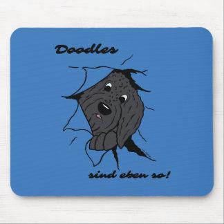 Doodle head black mouse pad