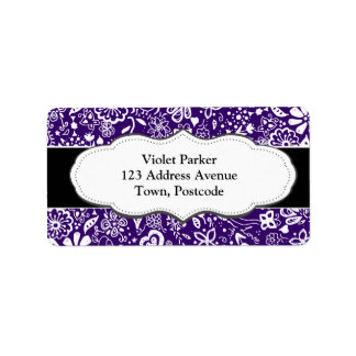 Doodle púrpura del estampado de flores etiqueta de dirección
