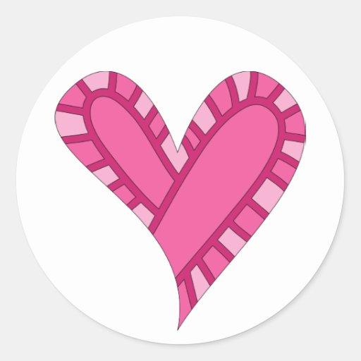 Doodle rosado caprichoso del corazón pegatina redonda