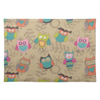 Doodled owls on beige background cloth place mat