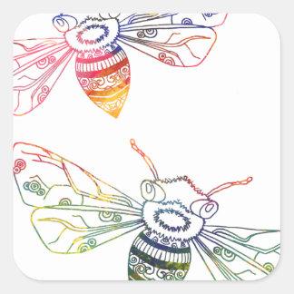 Doodles multicolores de la abeja pegatina cuadrada