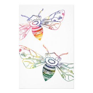Doodles multicolores de la abeja personalized stationery