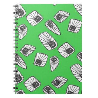 Doodles verdes del extracto libretas espirales
