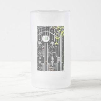 Door 30 frosted glass beer mug