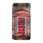 Door - Winter - Christmas kitty iPod Touch (5th Generation) Covers