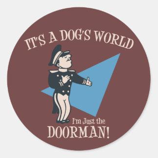 Doorman del perrito pegatina redonda