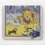 Dorothy y el león cobarde de mago de Oz Tapete De Raton