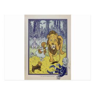 Dorothy y el león cobarde de mago de Oz Tarjeta Postal