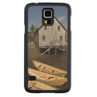 Dory builder,Lunenburg, Nova Scotia, Canada Carved® Maple Galaxy S5 Case