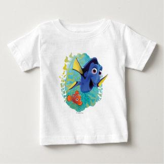 Dory y nadada de Nemo el   con los amigos Playera De Bebé