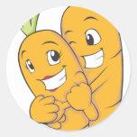 Dos amantes dulces de la zanahoria etiquetas redondas