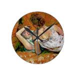Dos amigos de Enrique de Toulouse-Lautrec Relojes De Pared