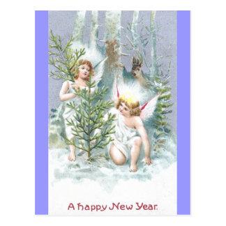 Dos ángeles con los árboles y los ciervos de pino tarjetas postales