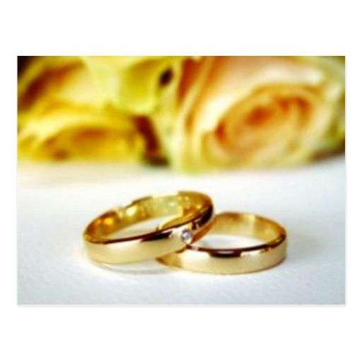 Dos anillos de bodas del oro tarjeta postal