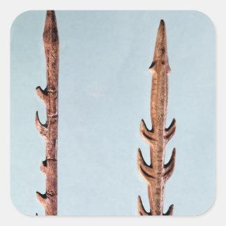 Dos arpones, período paleolítico superior calcomanía cuadradas personalizada