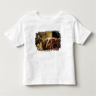 Dos caballos de poste en la puerta de un establo tee shirts