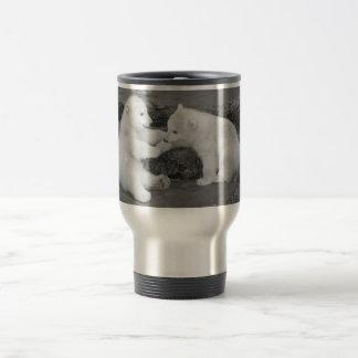 Dos cachorros del oso polar taza de café