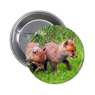 dos cachorros del zorro pin