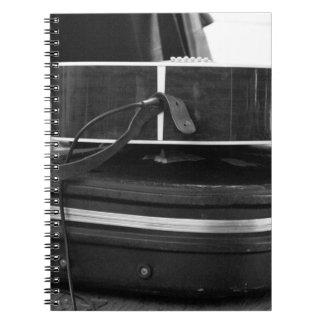 Dos cajas negras de la guitarra en el bw note book