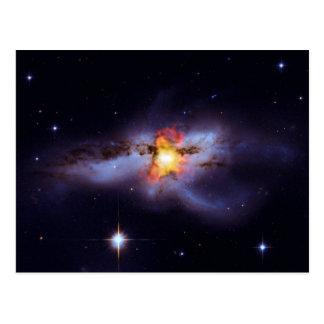 Dos calabozos de combinación en la galaxia NGC Postales