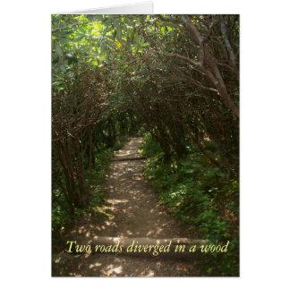 Dos caminos divergieron en un notecard de madera tarjeta pequeña