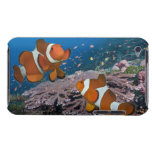 Dos Clownfish iPod Touch Case-Mate Protectores