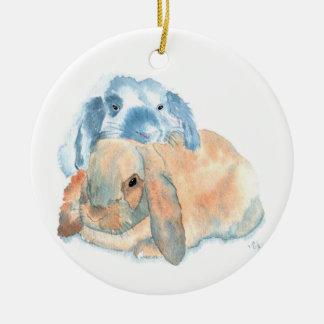 Dos conejos adorno navideño redondo de cerámica